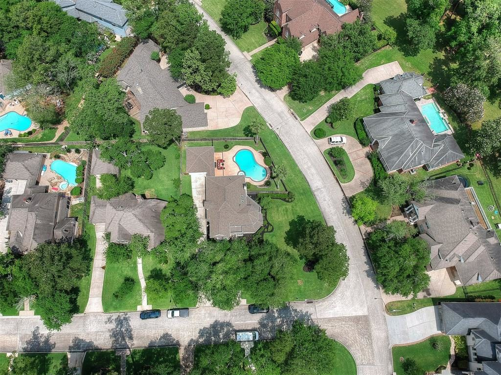 aerial view of home willowcrest ct neighborhood